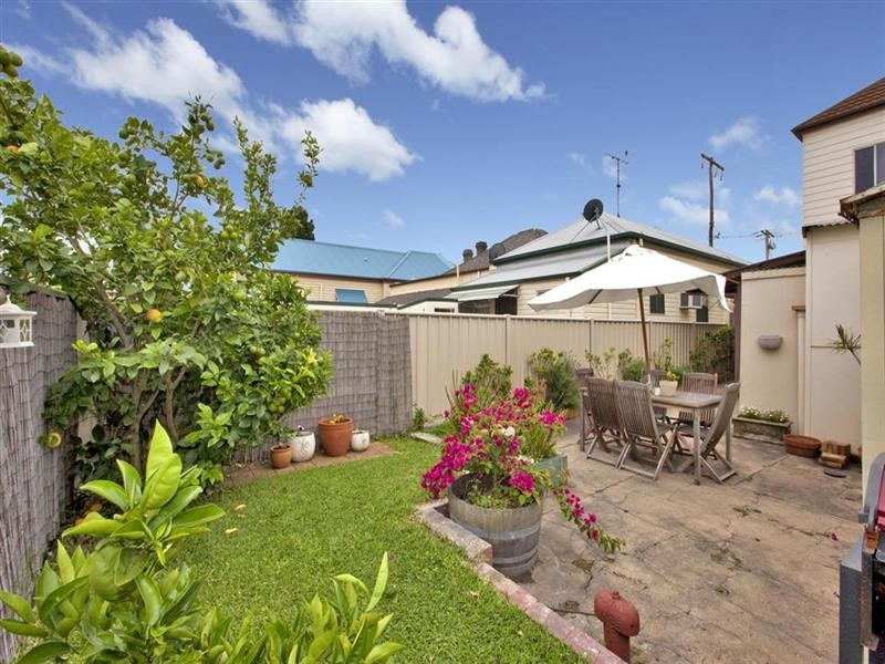 27 Young Street, Carrington NSW 2294