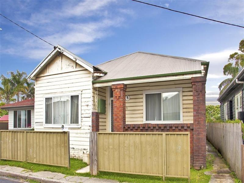 37 Rodgers Street, Carrington NSW 2294