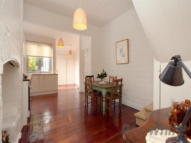 8 Hargrave Street, Carrington NSW 2294