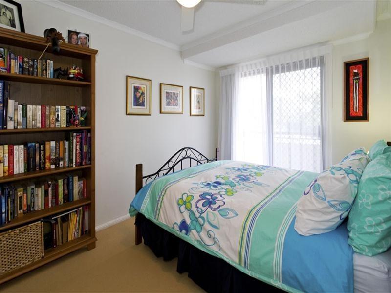 Unit 1 12-14 Lindsay Street, Alexandra Headland QLD 4572