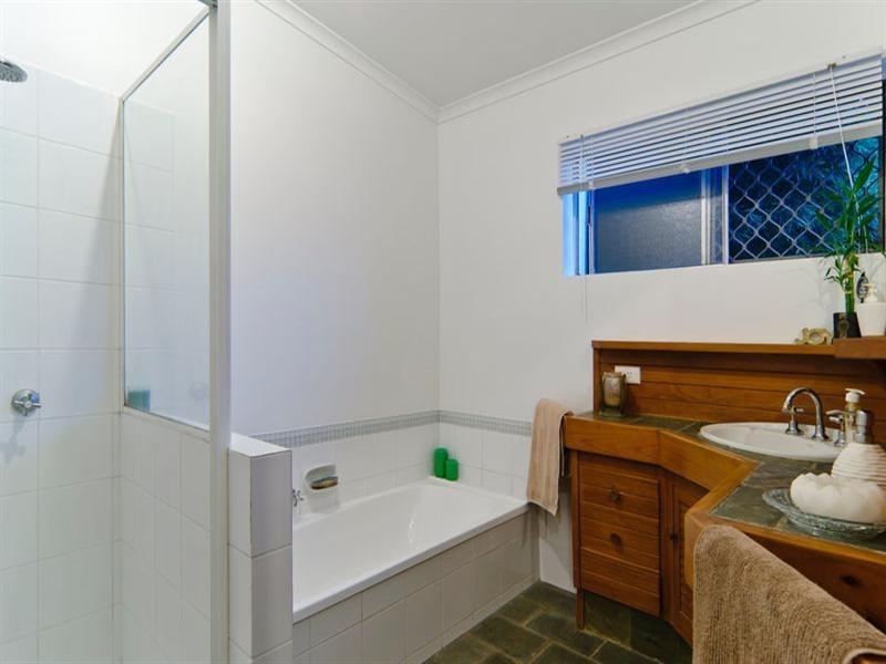 24 Tarnkun Street, Alexandra Headland QLD 4572