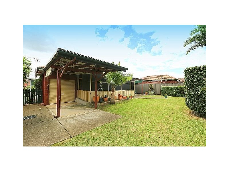 18 Suva Crescent, Greenacre NSW 2190