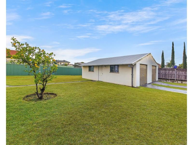 287 Roberts Road, Greenacre NSW 2190