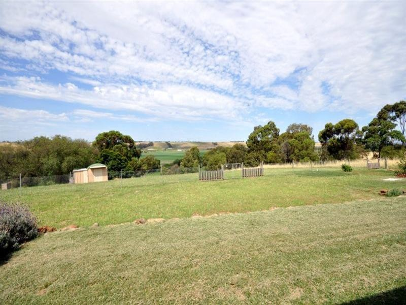 18 Thomson Street, Shelford VIC 3329
