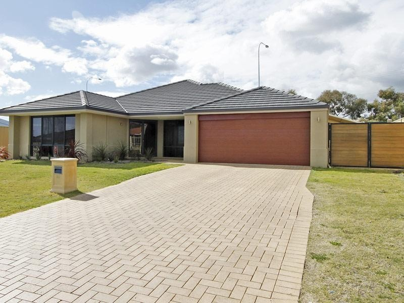 22 Calytrix Crescent, Success WA 6164