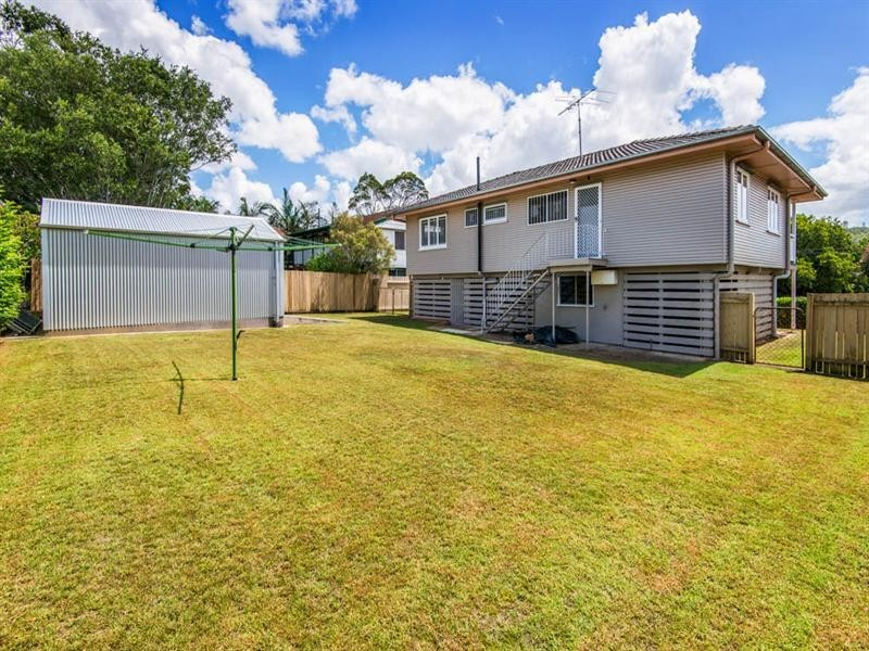 42 Grout Street, Macgregor QLD 4109