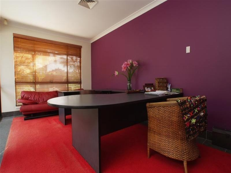 5 Yunga Court, Broadbeach Waters QLD 4218
