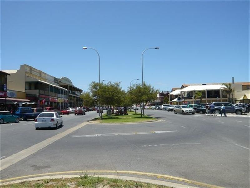 1-2 Tarni Court, New Port SA 5015