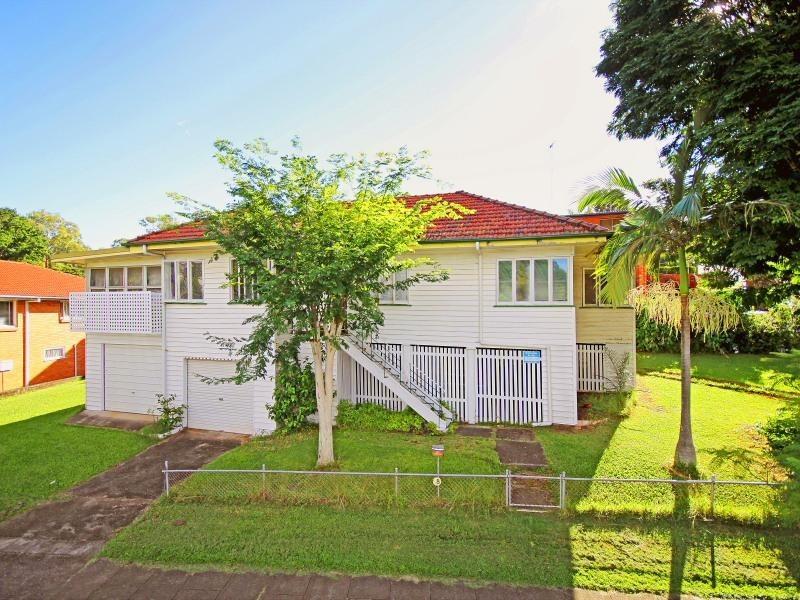 2 Parkhurst Avenue, Herston QLD 4006