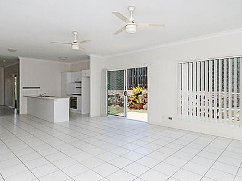 3 Reynolds Place, Redbank Plains QLD 4301