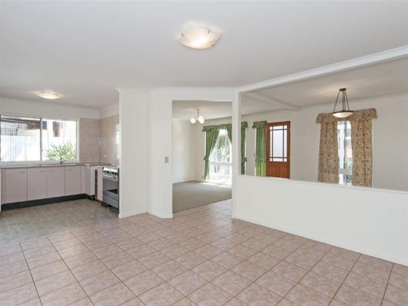 16 Vanessa Court, Camira QLD 4300