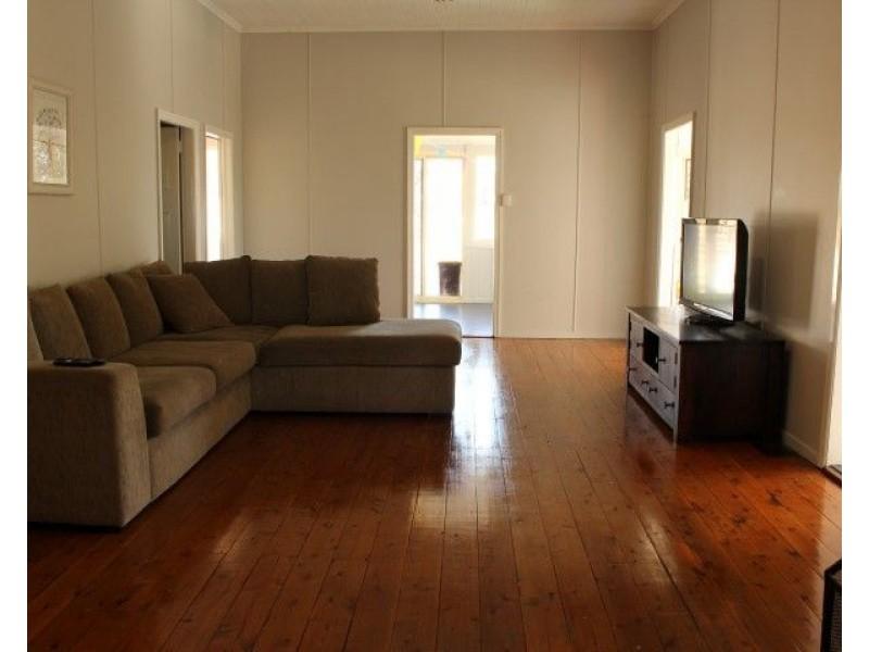 44 Clayton Road, Roma QLD 4455