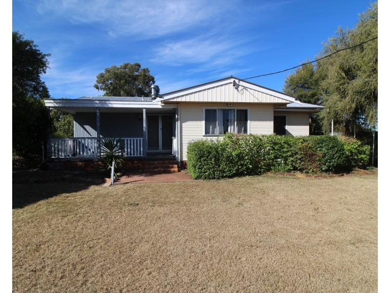 36 Mocatta Street, Goombungee QLD 4354