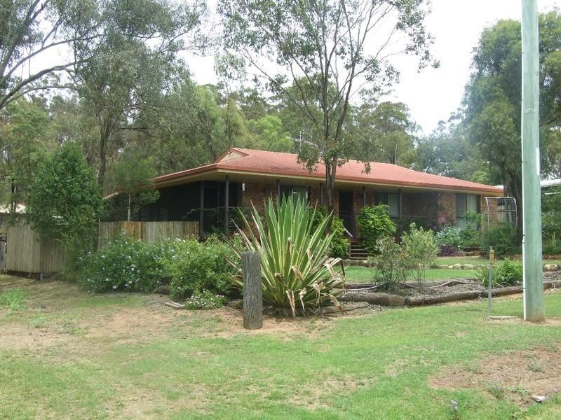 4 Edward Street, Goombungee QLD 4354