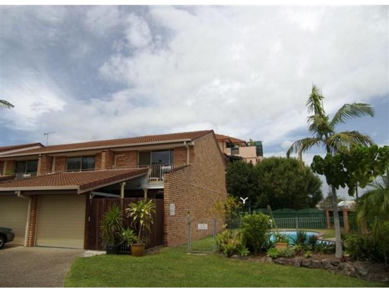 1/9 Eady Avenue, Broadbeach Waters QLD 4218