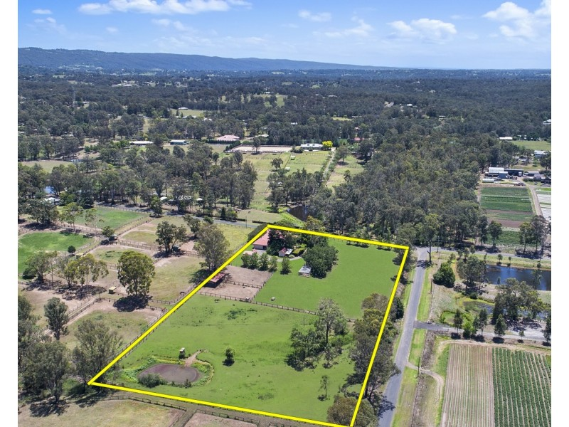 61 Ashtons Road, Grose Wold NSW 2753
