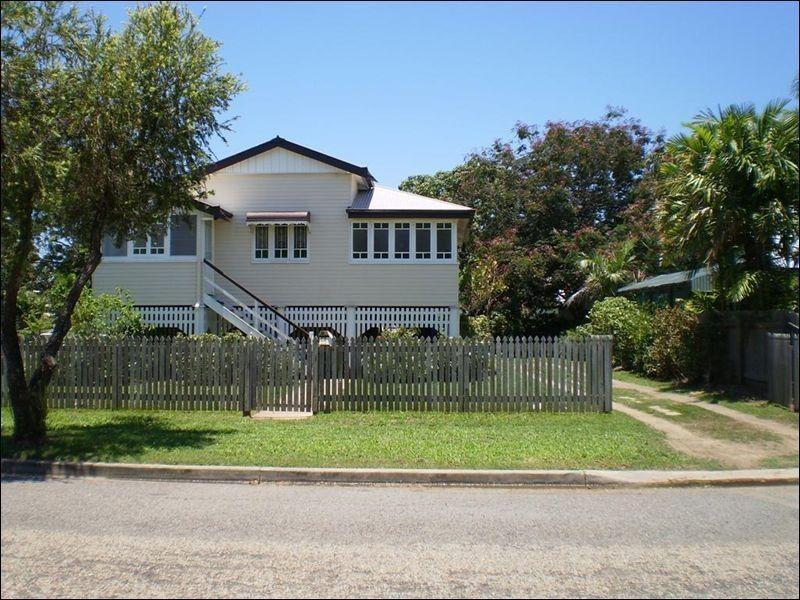 14 Gleeson Street, Hermit Park QLD 4812
