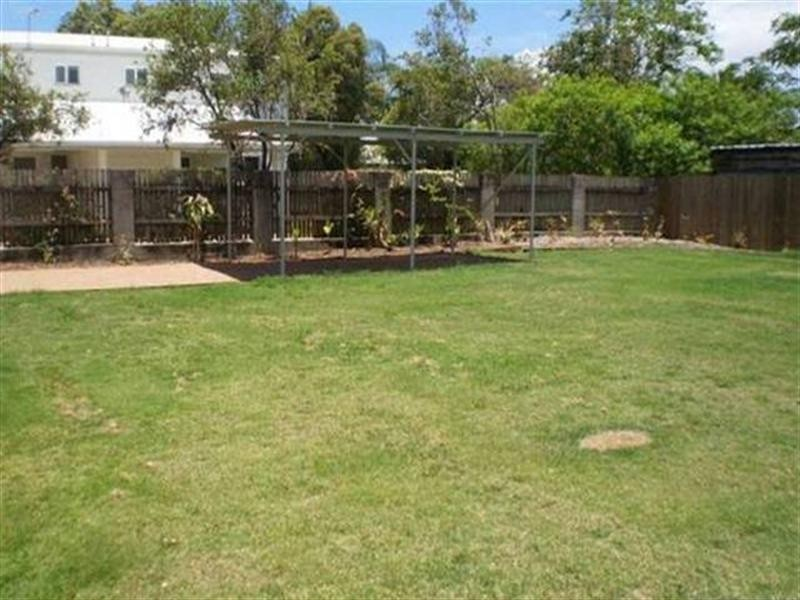 72 Queens Road, Hermit Park QLD 4812