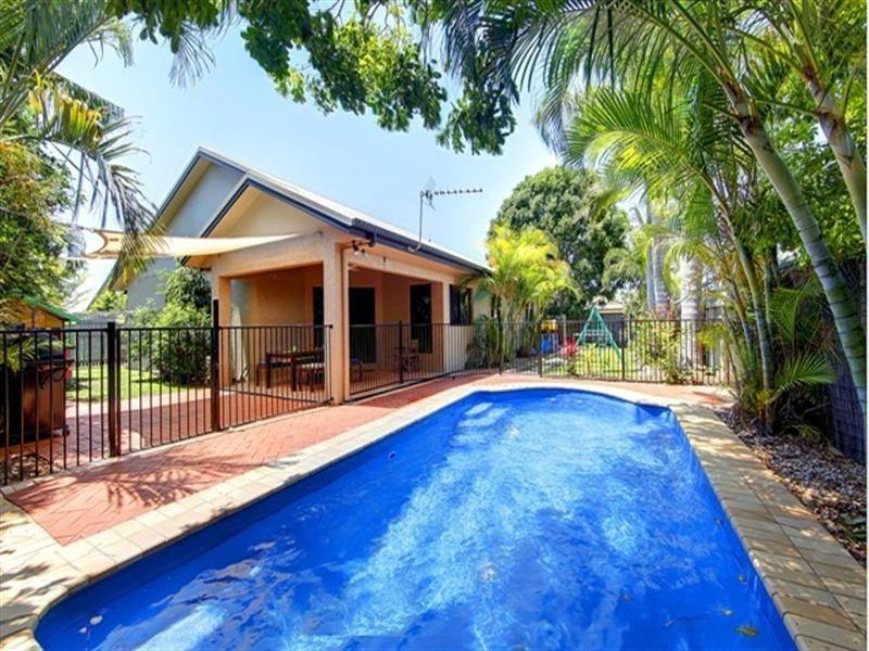 21 Meadowbrook Drive, Aitkenvale QLD 4814