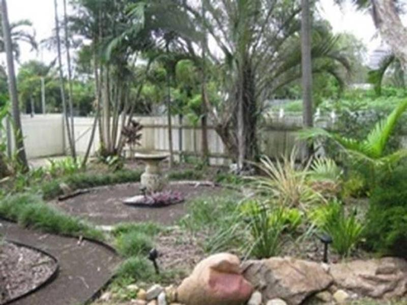50 Hughes Street, Hermit Park QLD 4812