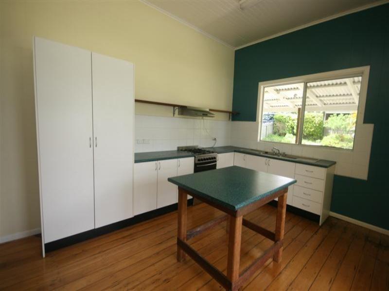 30 Tewantin Road, Cooroy QLD 4563