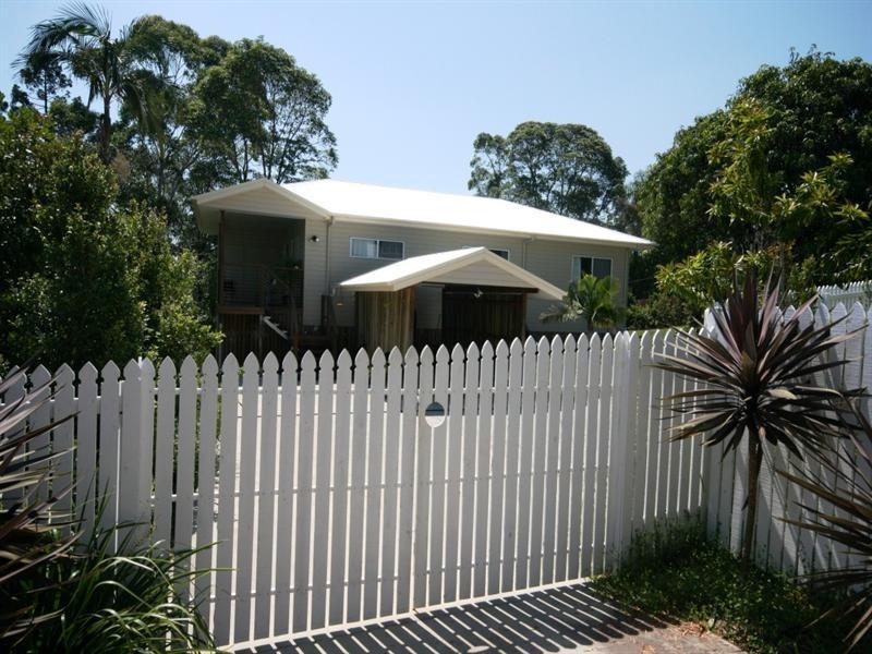 4 and 4A Kauri Street, Cooroy QLD 4563