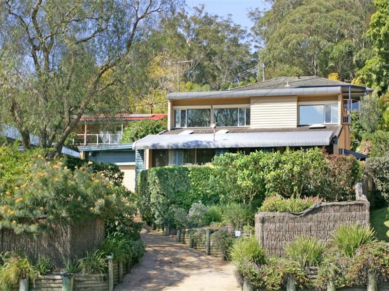 296 Avoca Drive, Green Point NSW 2251