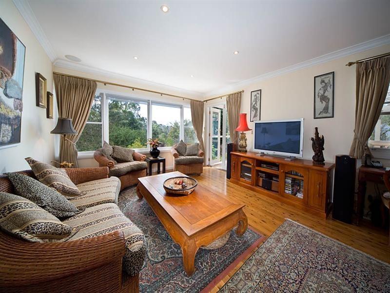 94 Govetts Leap Road, Blackheath NSW 2785