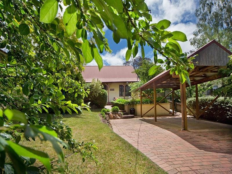 12 Jersey Parade, Mount Victoria NSW 2786