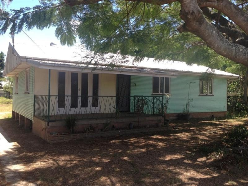 15 Station Street, Bundaberg North QLD 4670