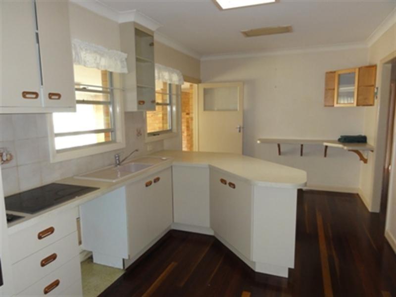 9 Adams Street, Bundaberg West QLD 4670