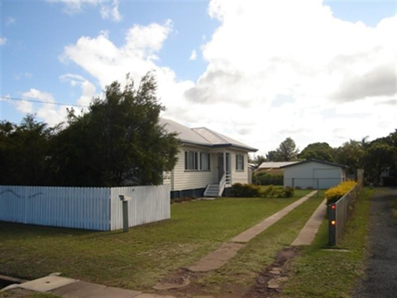 17 Powers Street, Bundaberg West QLD 4670