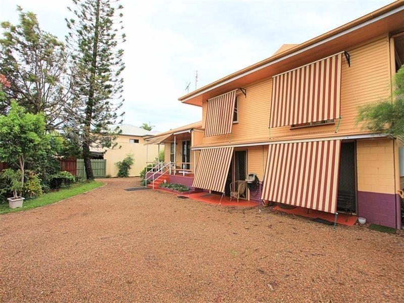 4 Hinkler Avenue, Bundaberg North QLD 4670