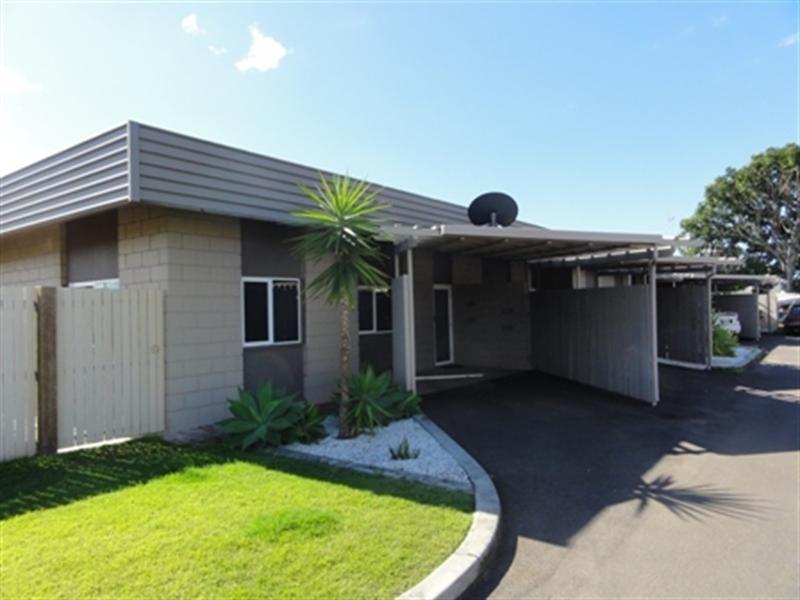 2/16 White Street, Bundaberg West QLD 4670