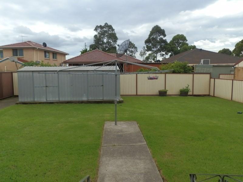 23 Wheatley Street, St Johns Park NSW 2176