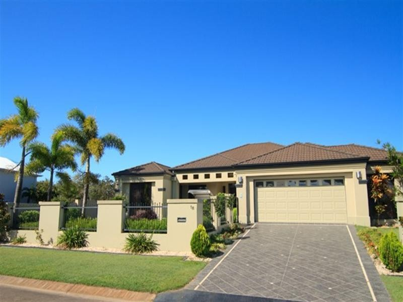 18 Wallaby Circuit, Pelican Waters QLD 4551