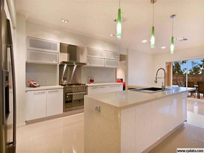 8 Ballinger Place, Pelican Waters QLD 4551
