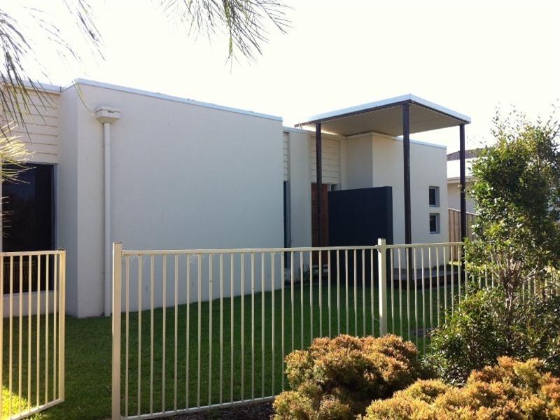 25 The Promenade, Pelican Waters QLD 4551