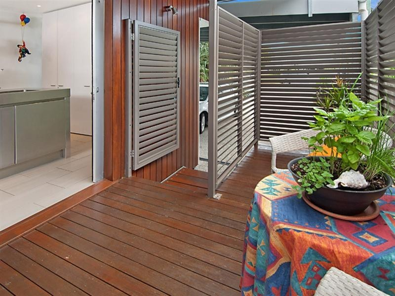 Unit 1 'Shelly Lodge' 21 Banksia Street, Shelly Beach QLD 4551