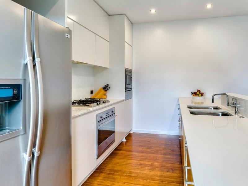 24 Waterline Crescent, Bulimba QLD 4171