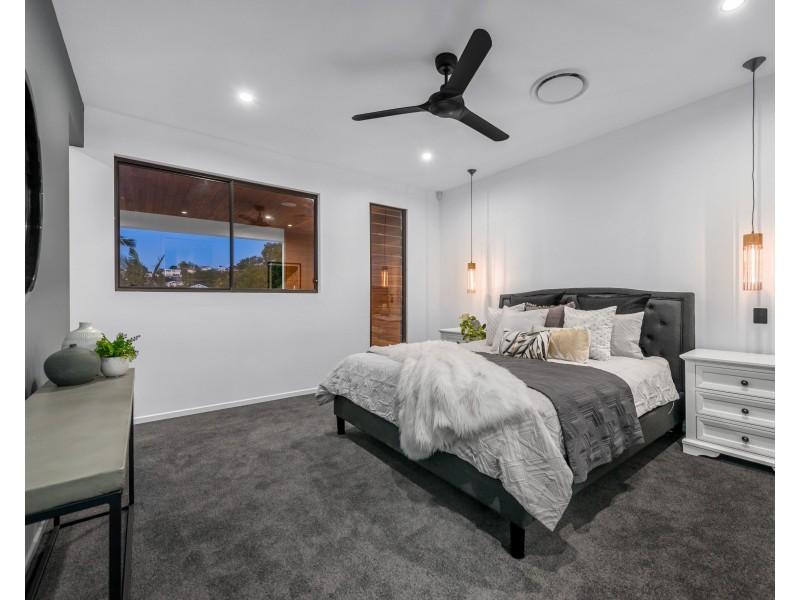 15 Walter Street, Bulimba QLD 4171