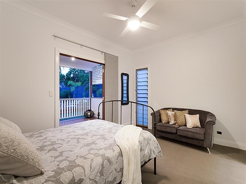 141 Dahlia Street, Cannon Hill QLD 4170