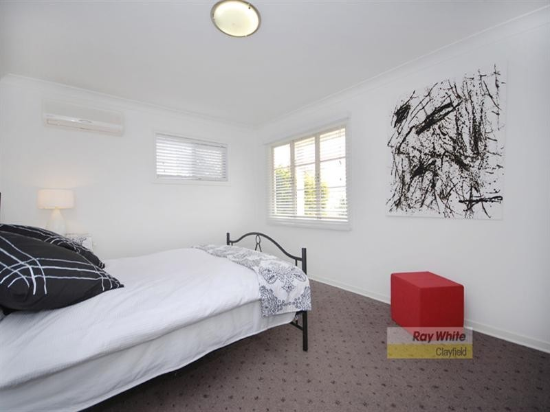 21 Cromwell Street, Wooloowin QLD 4030