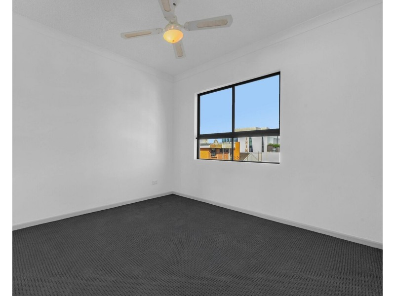22/15 Kitchener Street, Coorparoo QLD 4151