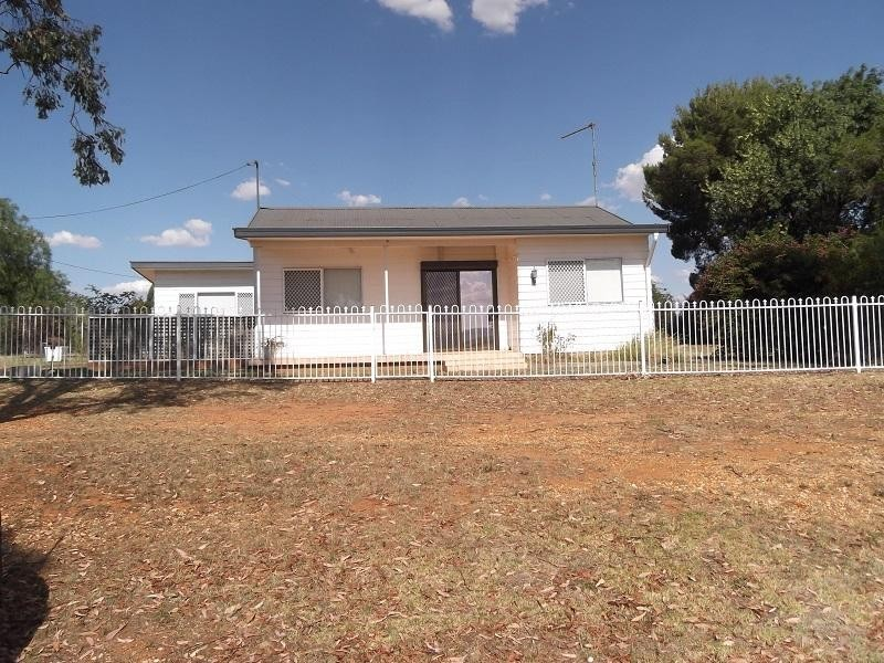 67 Airport Road, Cowra NSW 2794