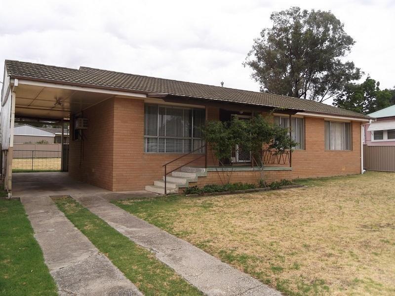 10 Parkes Street, Cowra NSW 2794