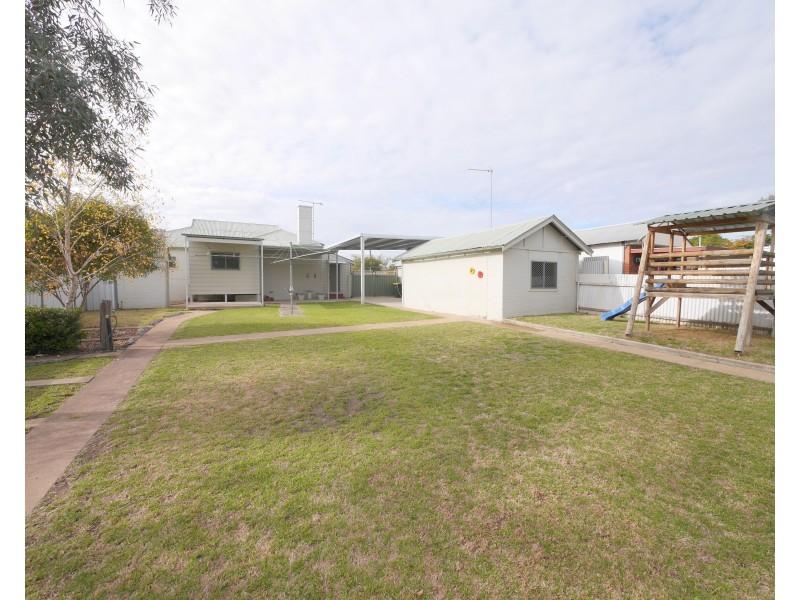 38 Fitzroy Avenue, Cowra NSW 2794