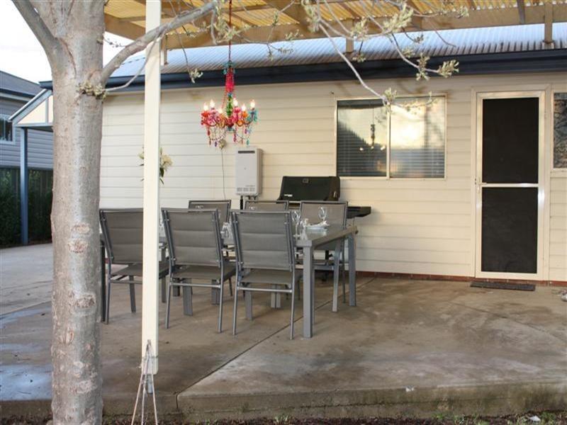 54 Kite Street, Cowra NSW 2794