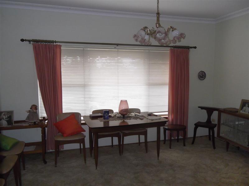16 Kanangra Street, Cowra NSW 2794