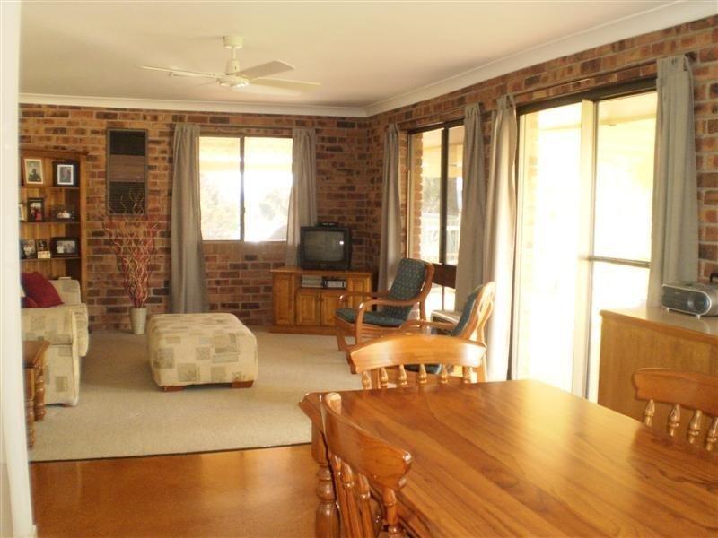 20 Taronga Drive, Cowra NSW 2794